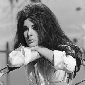 Bobbie Gentry on Kraft Music Hall 6th May 1970 web