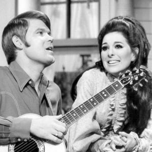 The Glen Campbell Goodtime Hour 1969 - singing Mornin' Glory